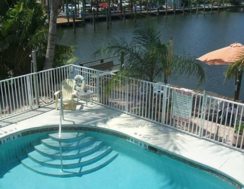 Manatee Bay Inn Bed And Breakfast In Fort Myers Beach Florida Bed